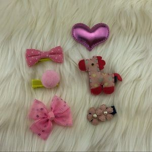 Other - A 6-piece set of cute headbow ribbon clips